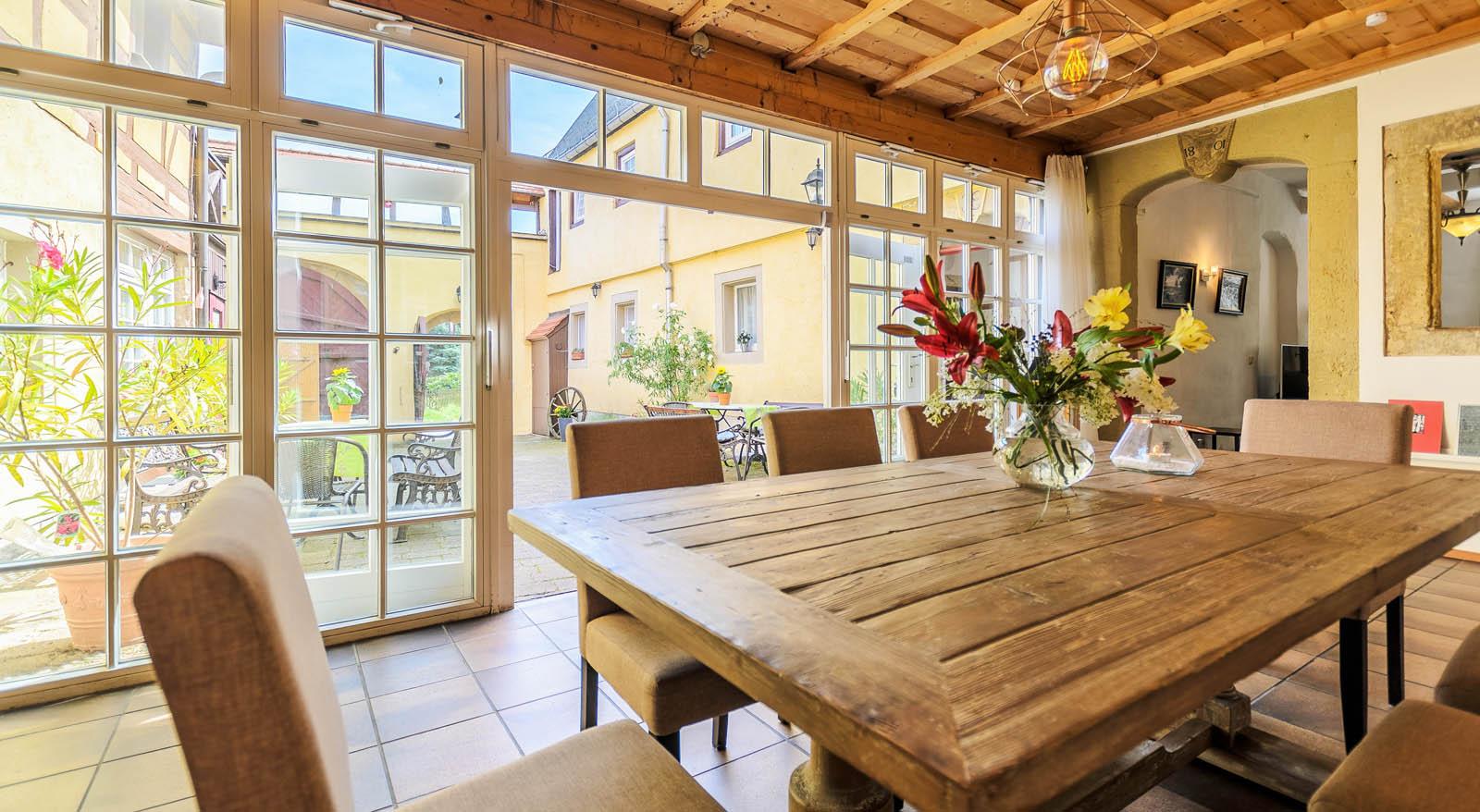 landhaus sobrigau monika wessel komfortable und gro z gige ferienwohnungen. Black Bedroom Furniture Sets. Home Design Ideas